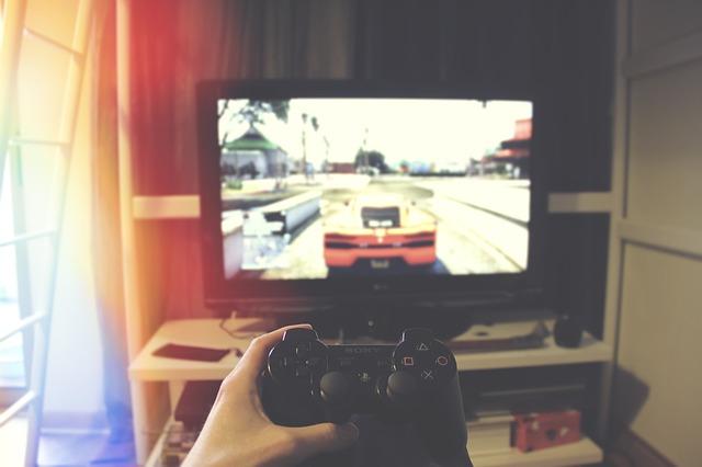 závodní hra na Playstationu